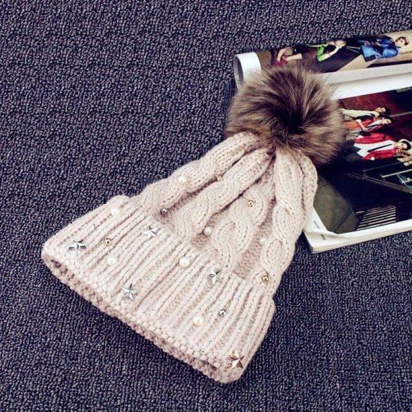 Зимняя женская шапка со стразами бежевая 333344